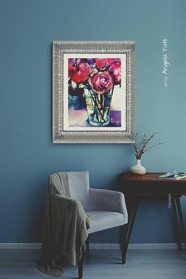 Rosen gemalt in einem silbernen Rahmen an der Wand